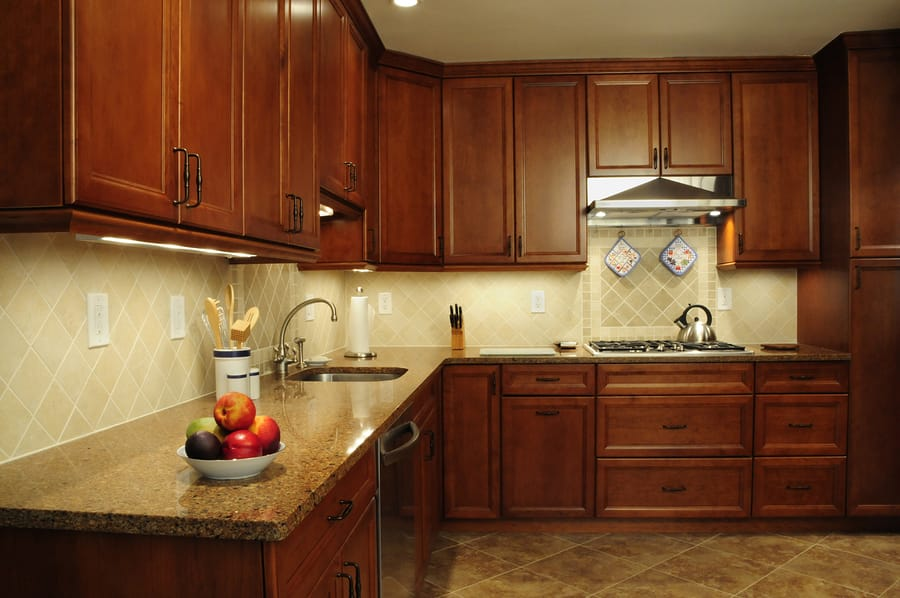 Five Reasons To Replace Your Kitchen Cabinets Instead Of